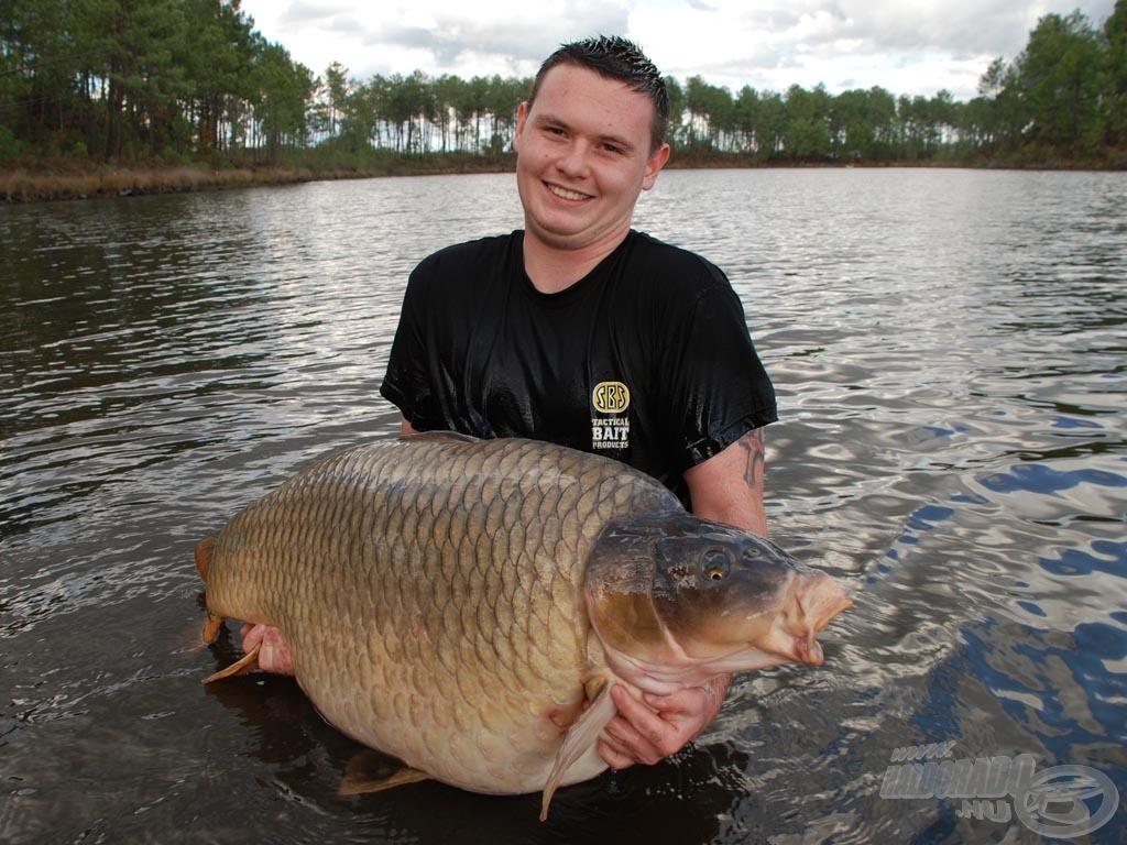 Újabb rekord! Magyar horgász még nem fogott ekkora tőpontyot!