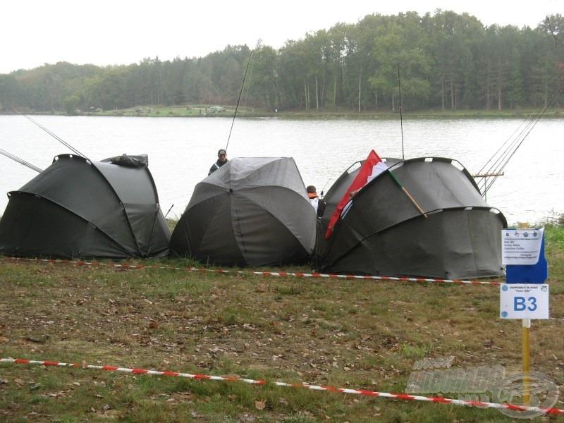 A pontyfogók elfoglalták a horgászhelyeiket...