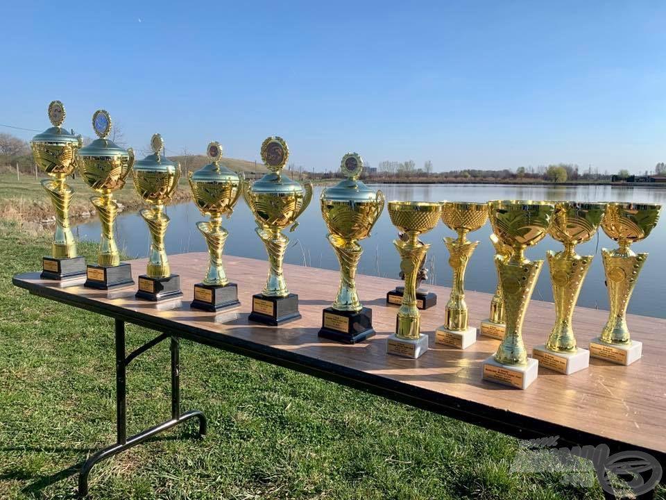 Természetesen a versenyek idén is külön-külön lesznek díjazva, igazán szemrevaló kupákért folyik majd a küzdelem!