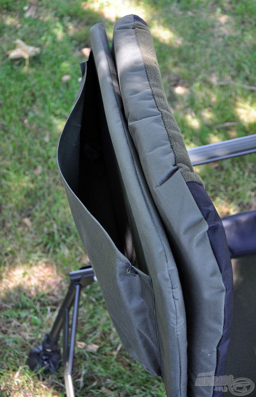 A háttámla külső oldalán egy nagyméretű hasznos zseb található, amibe bármilyen kiegészítőt, felszerelést belepakolhatunk, mely nem árt, ha kézközelben van