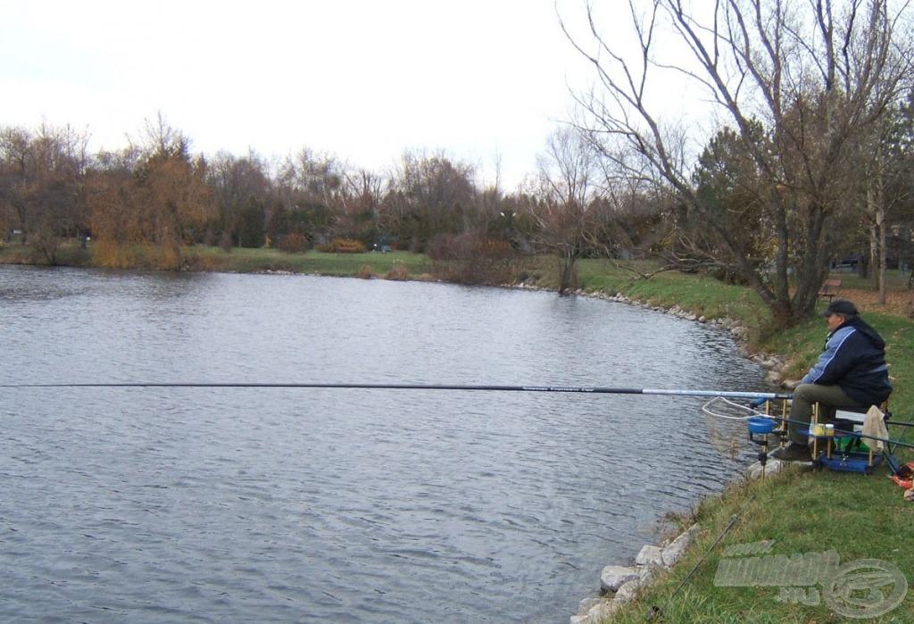 Pontyozásnál nem kell feltétlenül kézben tartott bottal horgászni