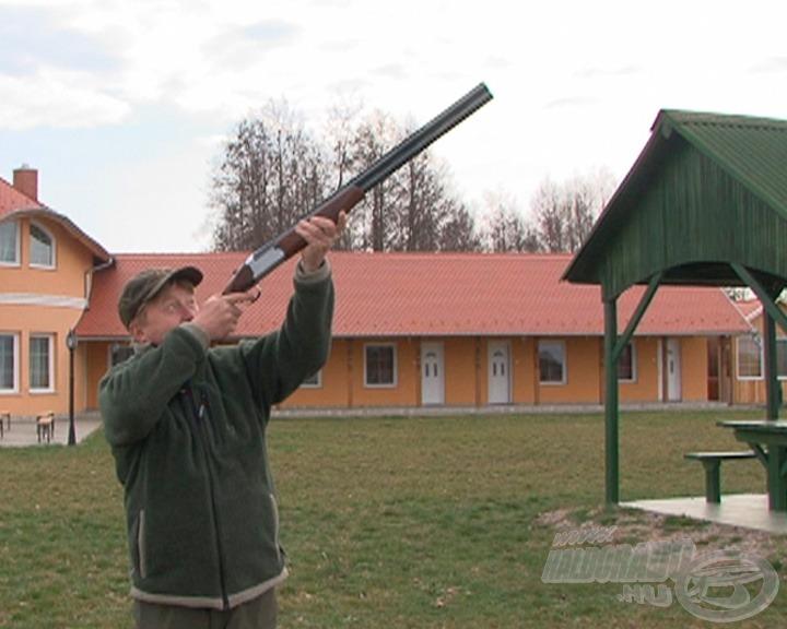 Minden nap 14:00-kor puskalövéssel indul az újabb etap