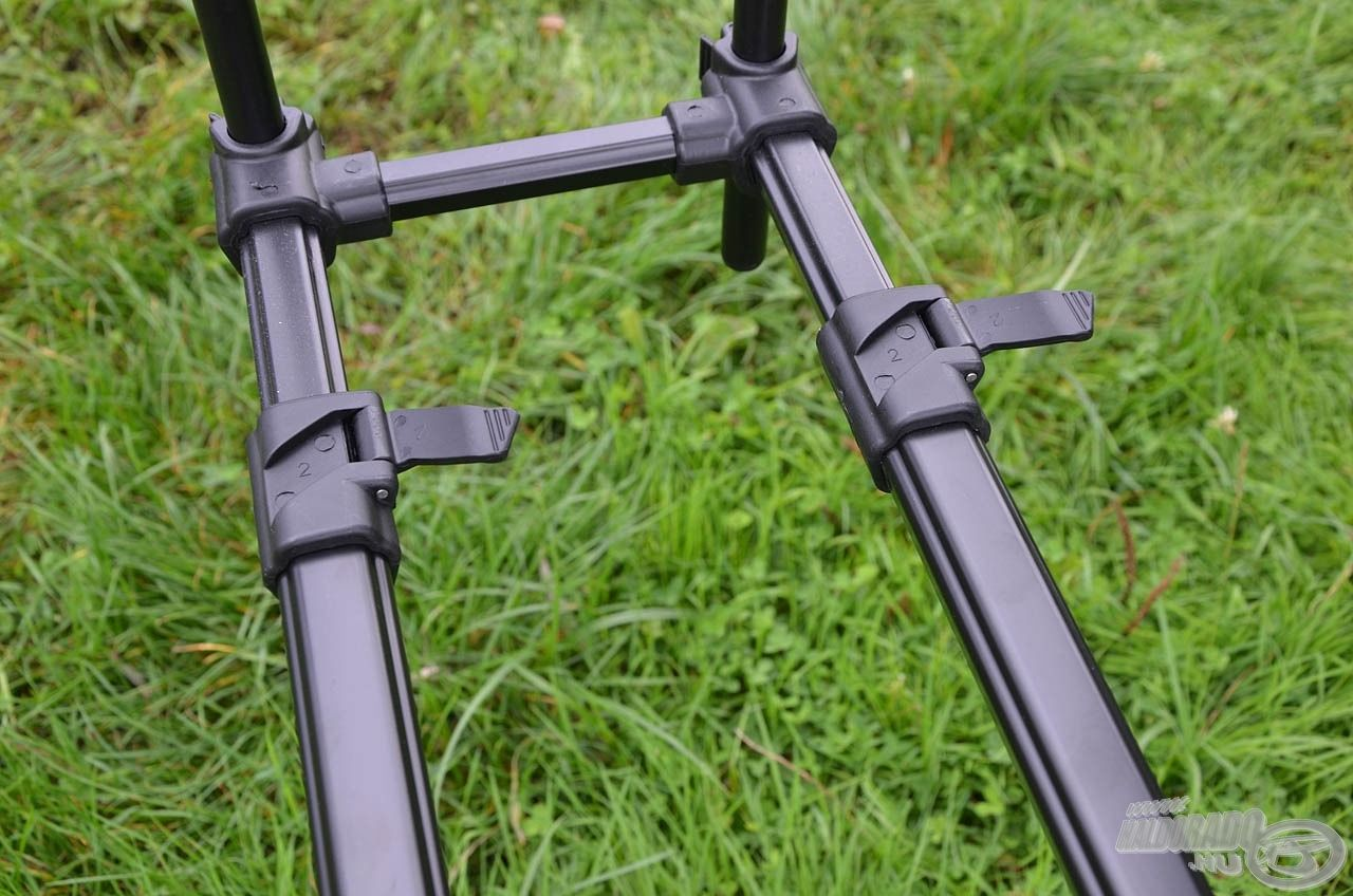 A gyorszárak segítségével pillanatok alatt állítható a rod pod hossza, 110-170 cm között