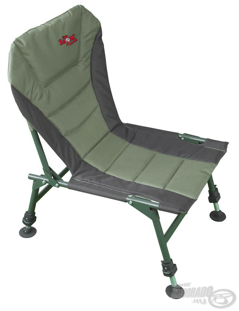 A párnázott ülőfelület és háttámla kényelmessé teszi használatát