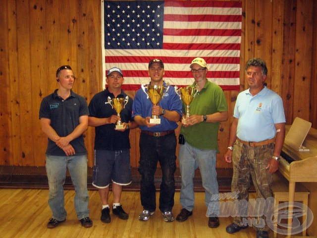 A díjazottak. A Top Mix Kupa győztese, Tony Forte közel 25 kiló halat zsákmányolt. Mark a harmadik helyen végzett