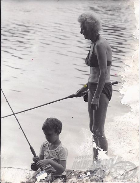 Nagymamámmal sokat horgásztam, hihetetlen szép dévéreket fogott. A csali és az etetés kijött egy fél szelet kenyérből