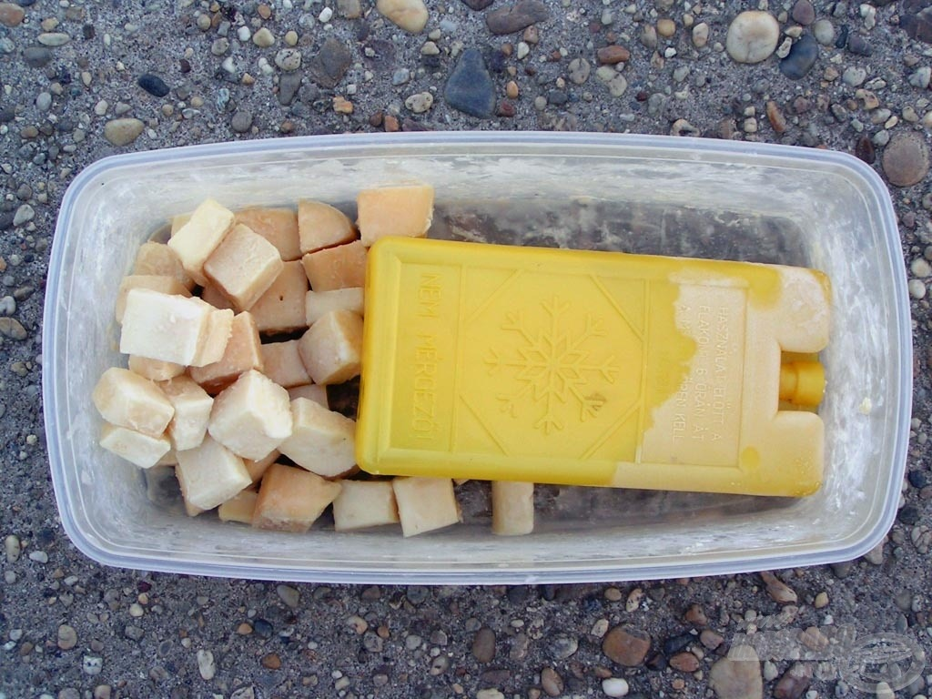 Lehűtött, de nem lefagyasztott sajtkockák