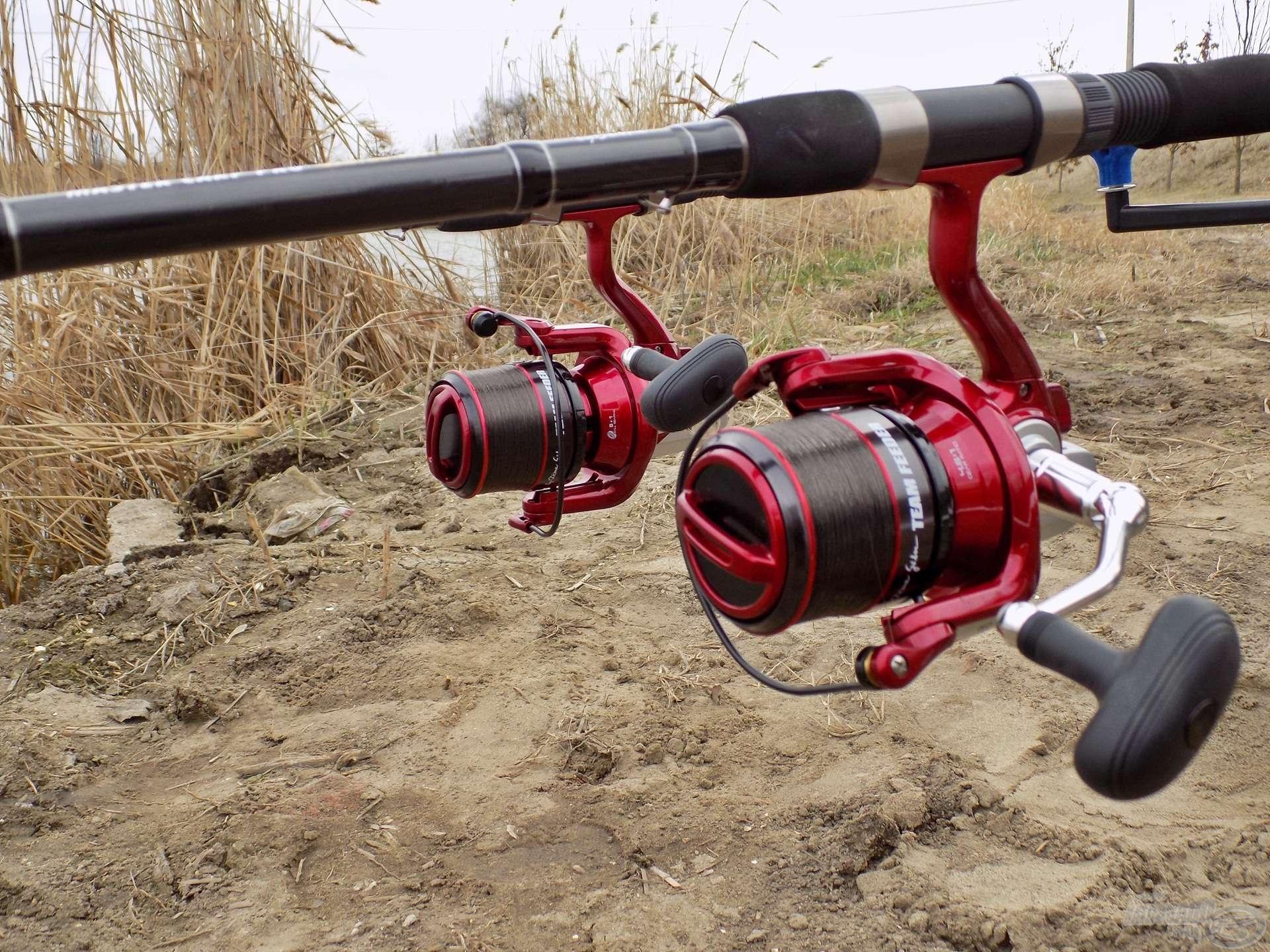 Az utóbbi időben nagyon megkedveltem a gyorsfék használatát. Ezen a horgászaton is a szokásos 0,18 mm-es vastagságú monofil főzsinórral horgásztam, hozzá 0,16 mm-es fonott dobóelőkét kötöttem, a botok hosszúságához mért, ideális hosszban