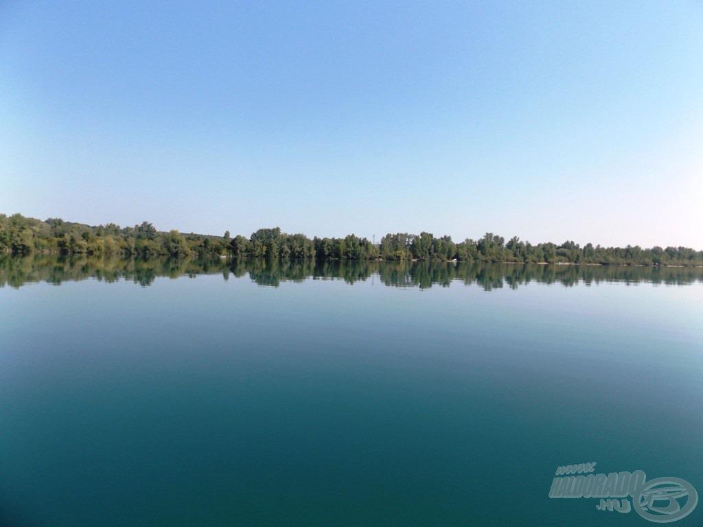 Gigantikus vízfelület. Vajon mit rejthet a mélye?
