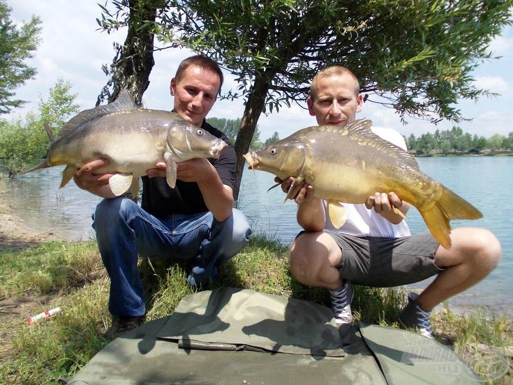 … majd mindkettőnk horgán egyszerre jelentkezett 2 hasonló méretű hal