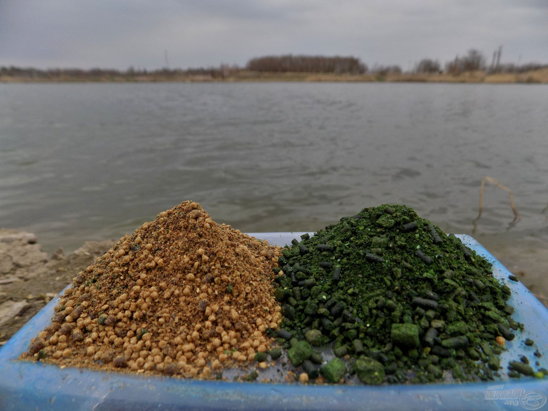 Bátran használjunk a májas ízvilágtól eltérő ízesítésű Stick Mixeket is! A májas-borsos keverék sok horgászatomon ajándékozott meg nem hétköznapi fogásokkal