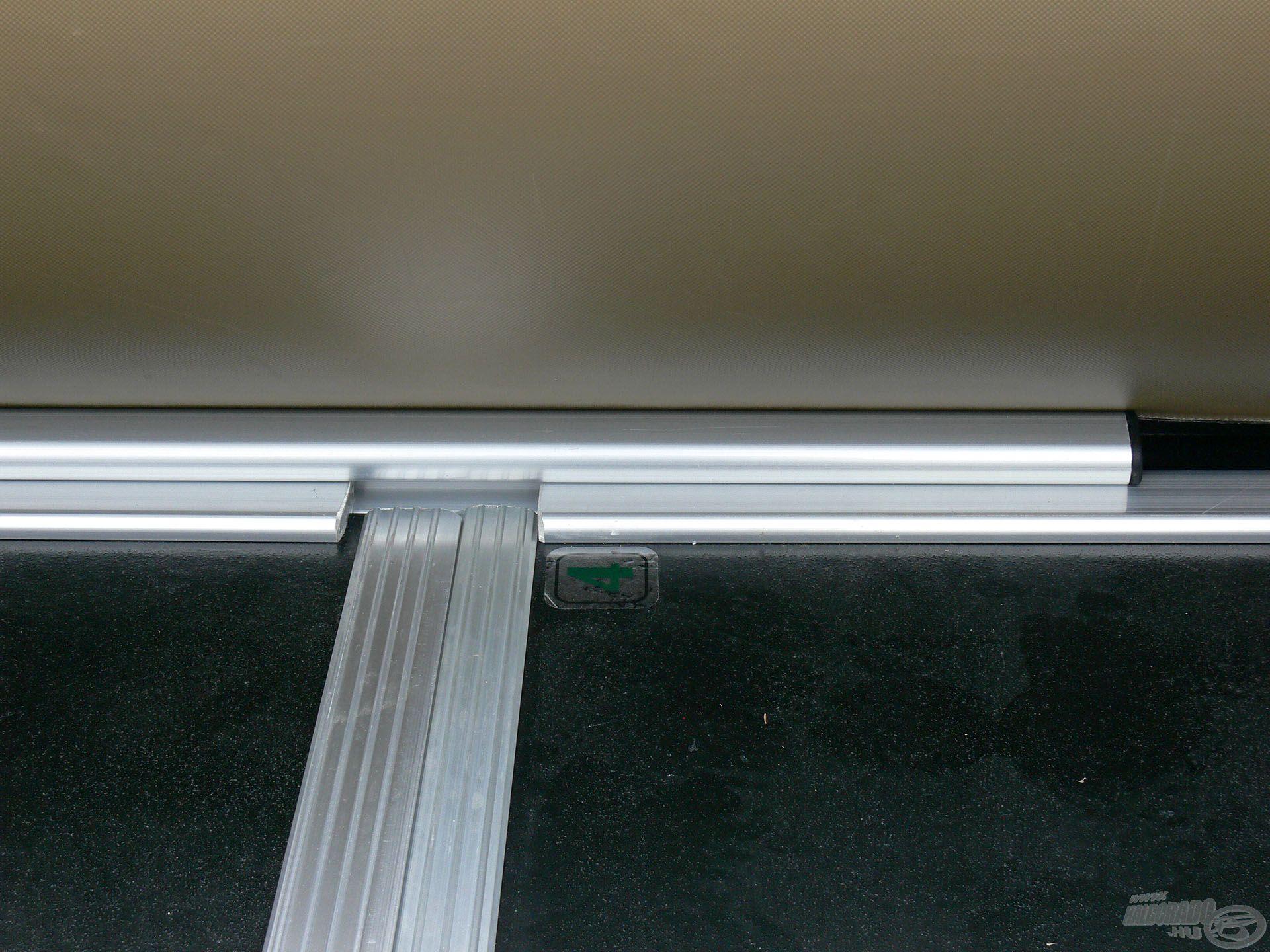 … ez biztosítja, hogy a padlólapok egymáshoz képest ne mozogjanak