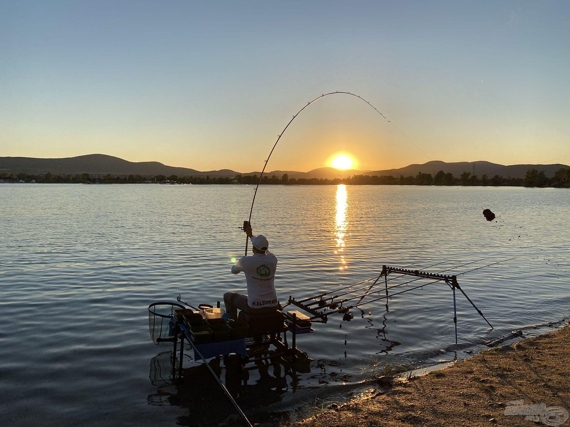 A lemenő nap fényében kezdtem a horgászathoz