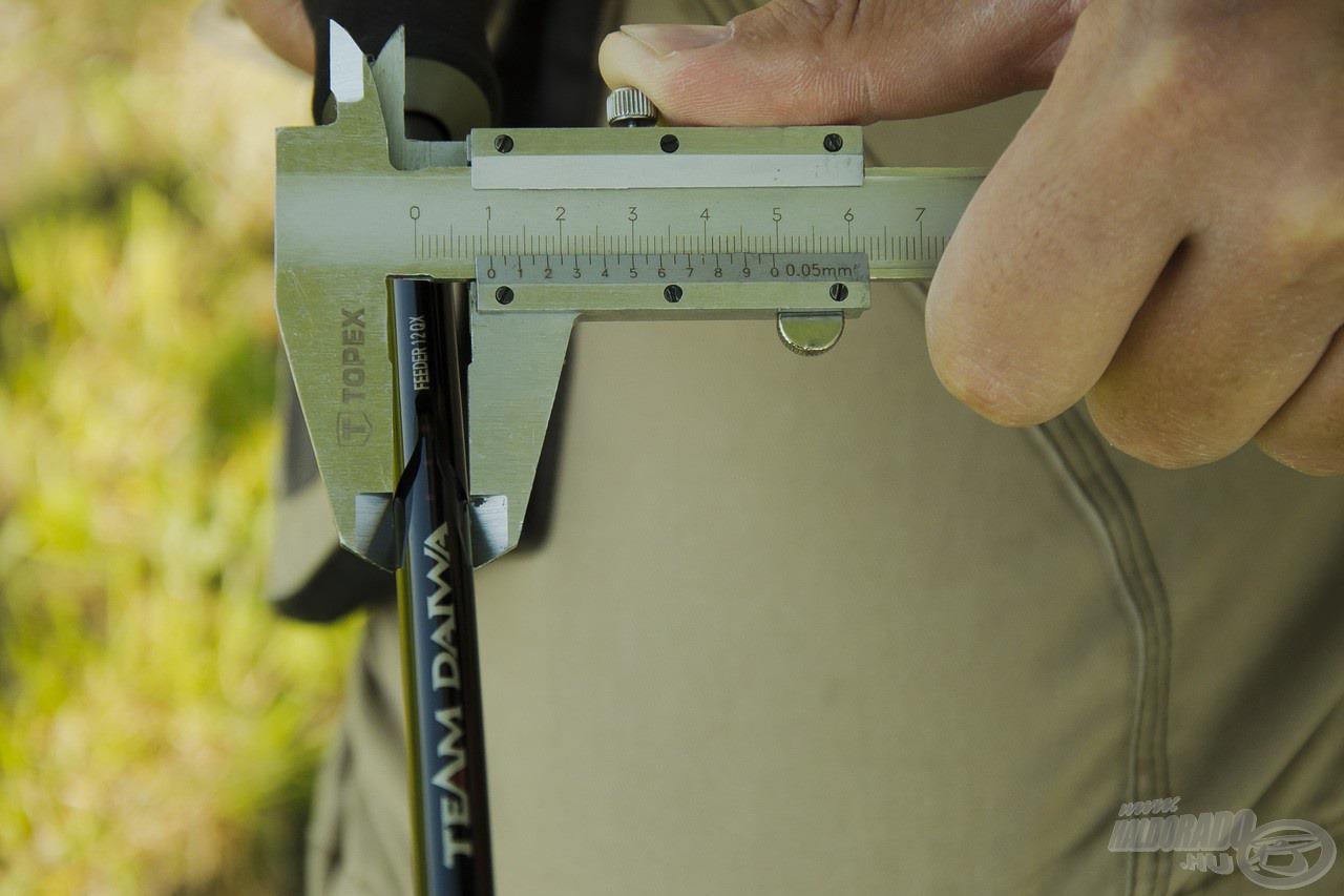 A bottest átmérője a nyéltag legvastagabb részén is alig haladja meg az 1cm-t!!!