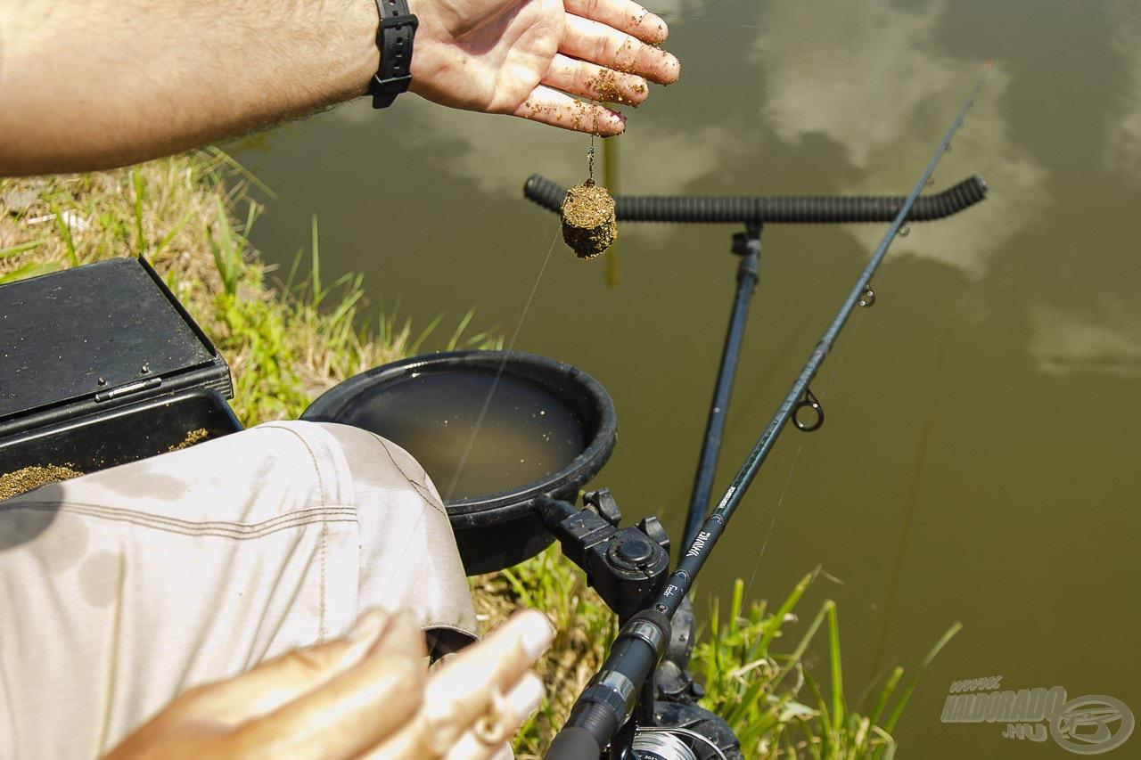 Oldalkosár, hosszú előke, pici horog… tipikus keszeges végszerelék. Vajon alkalmas ilyen leheletfinom horgászatra ez a gerinces feederbot?
