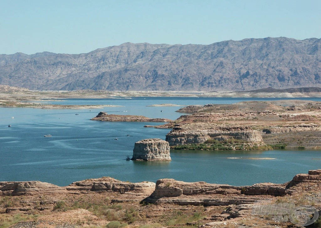 Sivatagi folyó: a felduzzasztott Coloradóból létrehozott Lake Mead tározó a Hoover gát felett - természetesen ott is van ponty :)