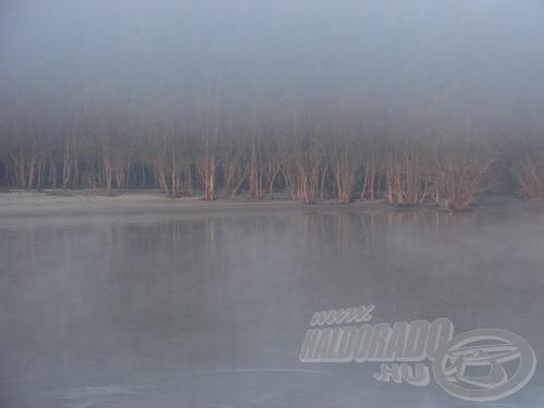… néha pedig hatalmas ködben