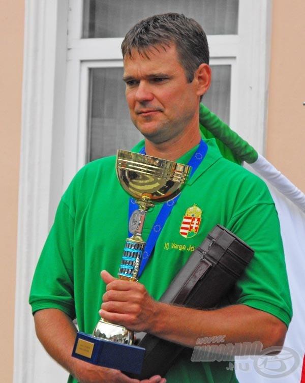 Varga József ezüstérmet szerzett egyéniben