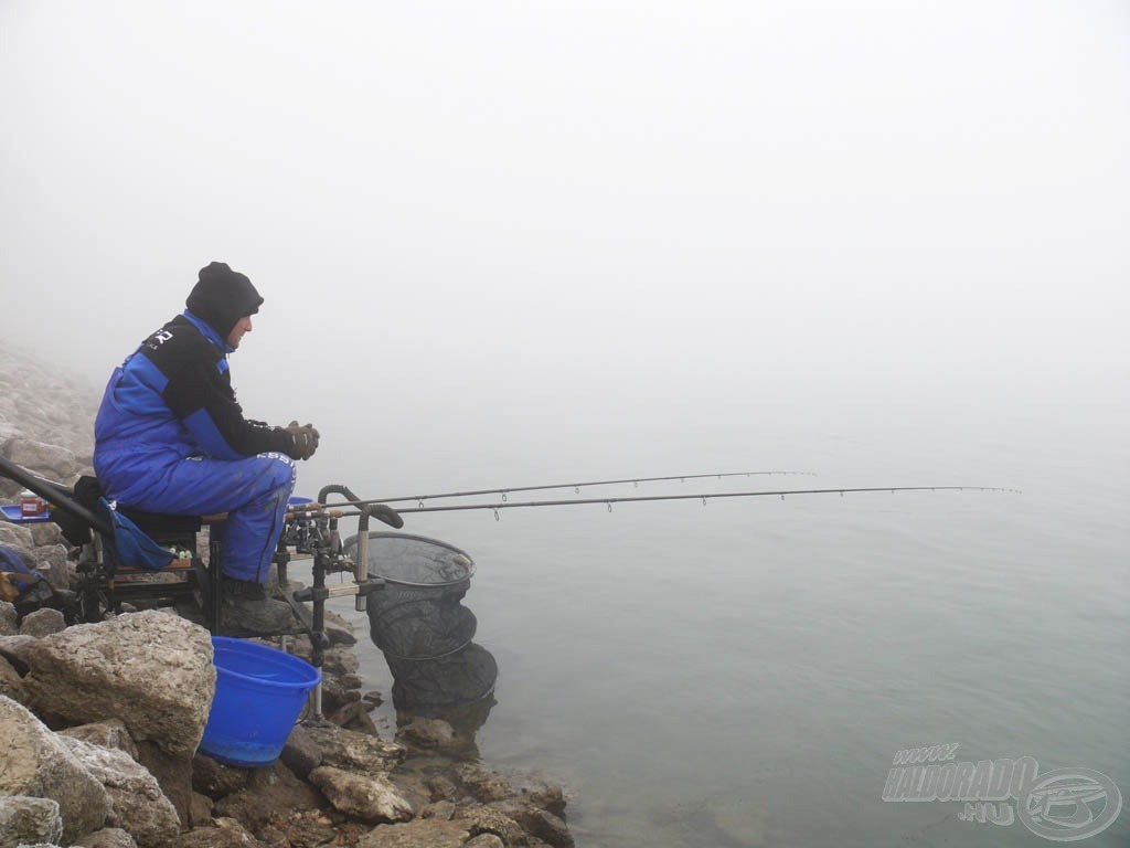 Gyakran horgászom télen is, amikor a hagyományos, kisgyűrűs feederek használhatatlanok lennének a gyors eltömődésük, befagyásuk miatt. A Pellet Feederre ekkor is számíthatok!