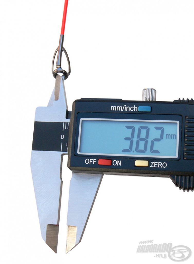 A spiccgyűrű belső átmérője: 3,82 mm