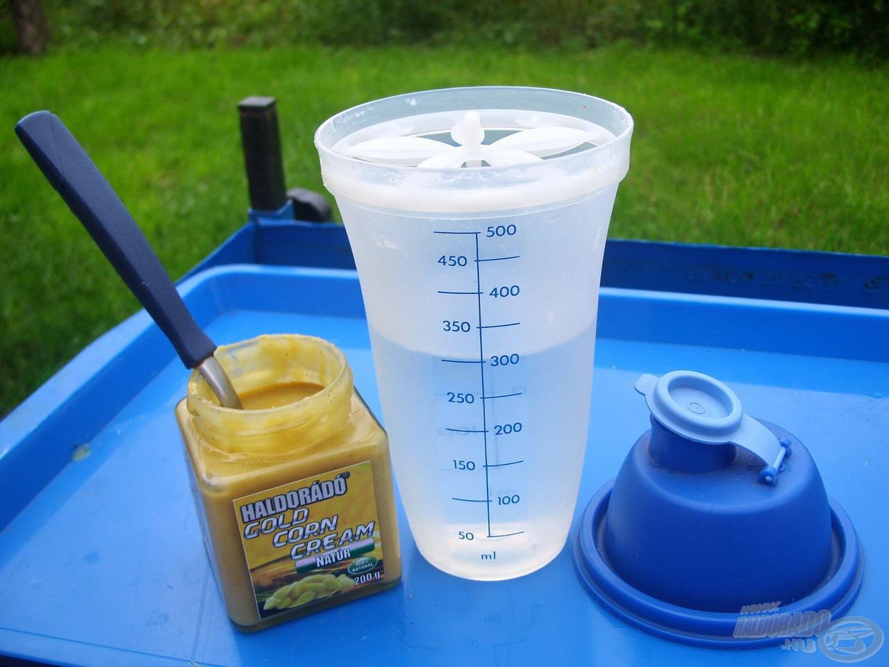 A következő lépésben egy jól zárható folyadék shakerbe kimértem 300 ml vizet…