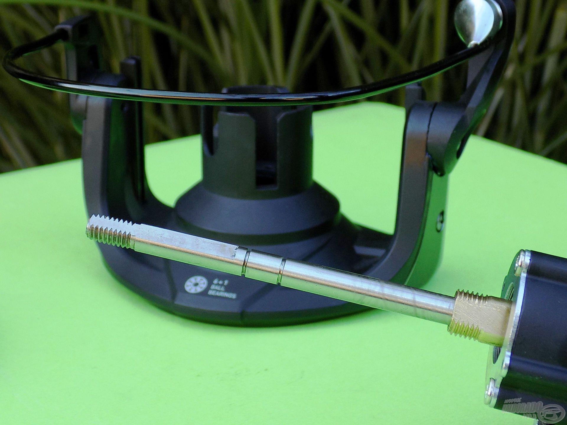 A nagy terhelhetőség szempontjából a 6 mm vastag dobemelő tengelynek is van szerepe!