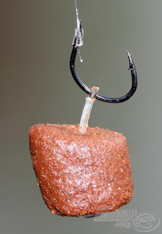 A hagyományos élő csalik mellett kiváló a nagy pelletek szilikon előkén való felkínálására