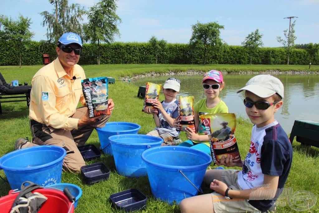 A gyerekek nagy élvezettel keverték az etetőanyagot
