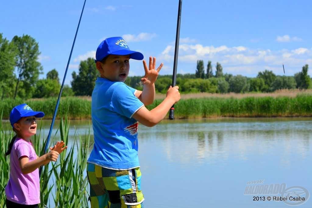A rutinos horgászoknak már egyedül is ment a peca. Hány halat fogtál, Vajki?