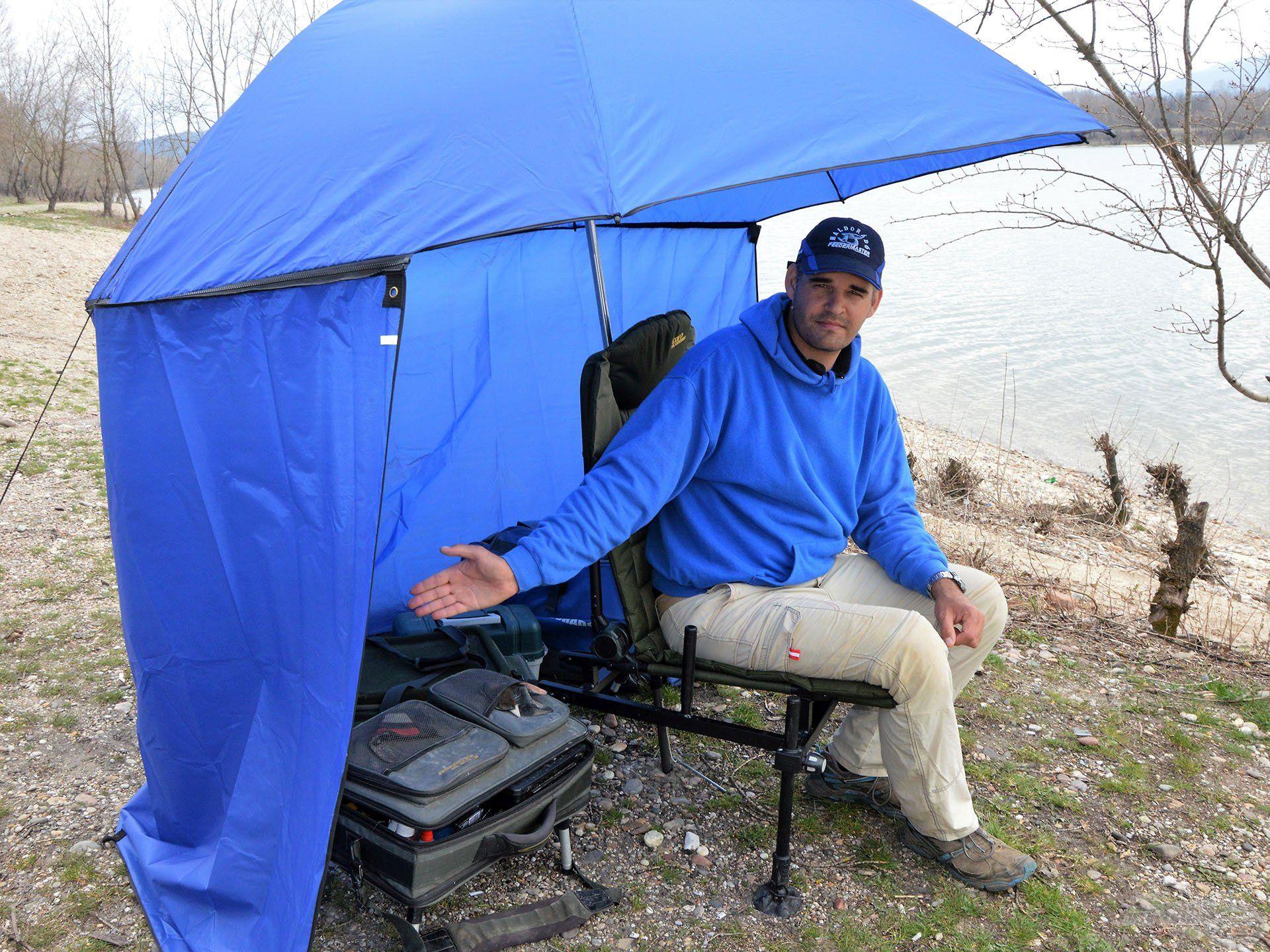 A fotelon és a horgászon kívül a felszerelés is kényelmesen befér alá