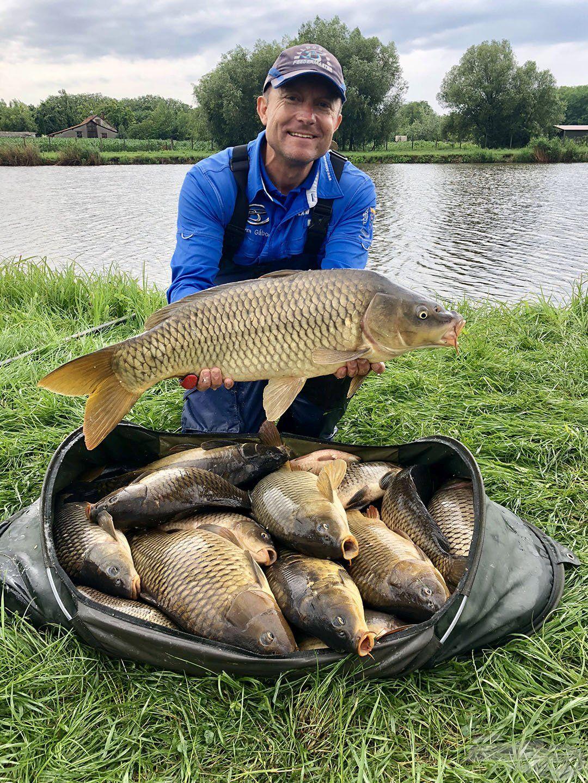 Ezen a napon Döme Gábor több mint 112 kg halat fogott és nyerte a szektorát!