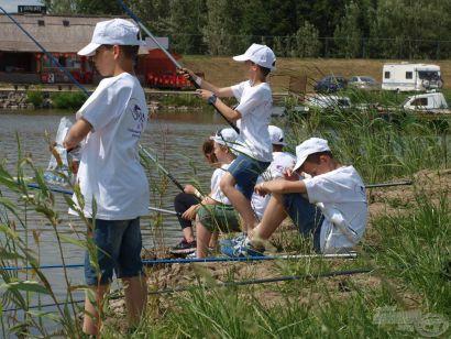Haldorádó - Matula Gyerek Horgásztábor  II. rész - Beetetés