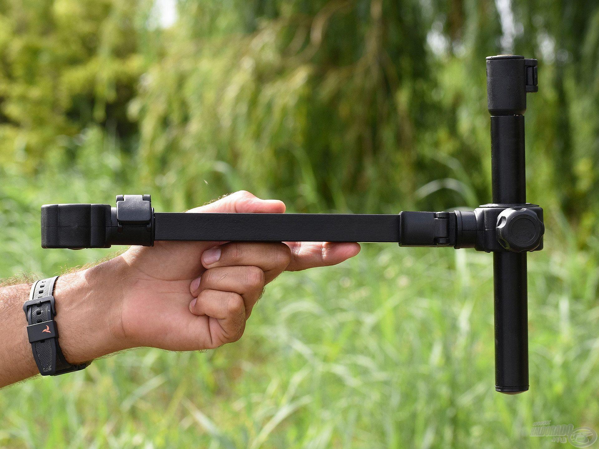 A QR Extension Tele Arm egy állítható hátsó bottartó adapter, amelynek nemcsak a hossza, de a magassága is növelhető