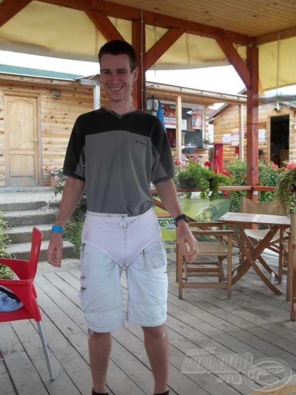 Gergő viselheti először a nagy haláért (21,1 kg) járó bugyogót