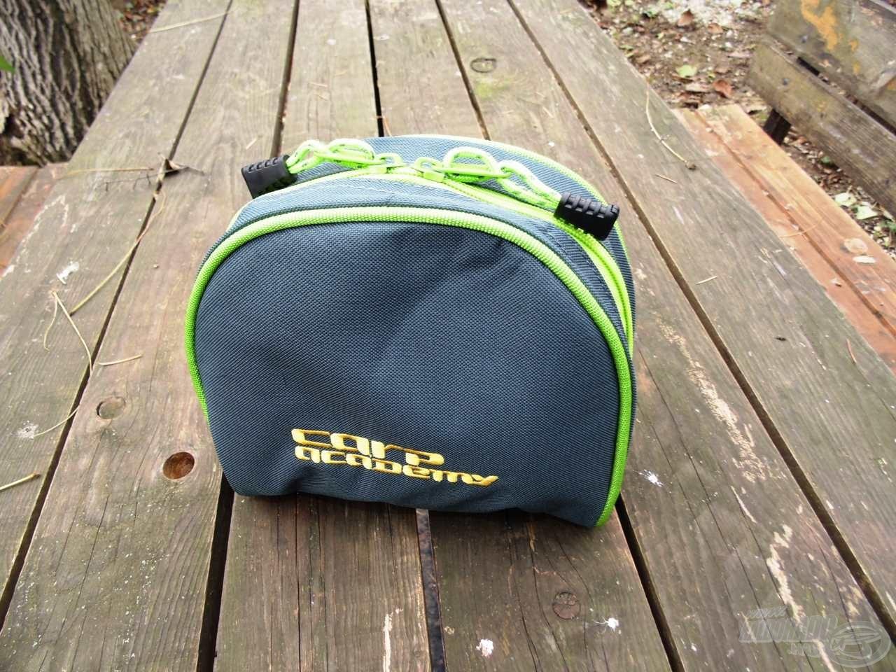 Szép kis táska, ami garantáltan megóvja orsónkat a külső hatásoktól