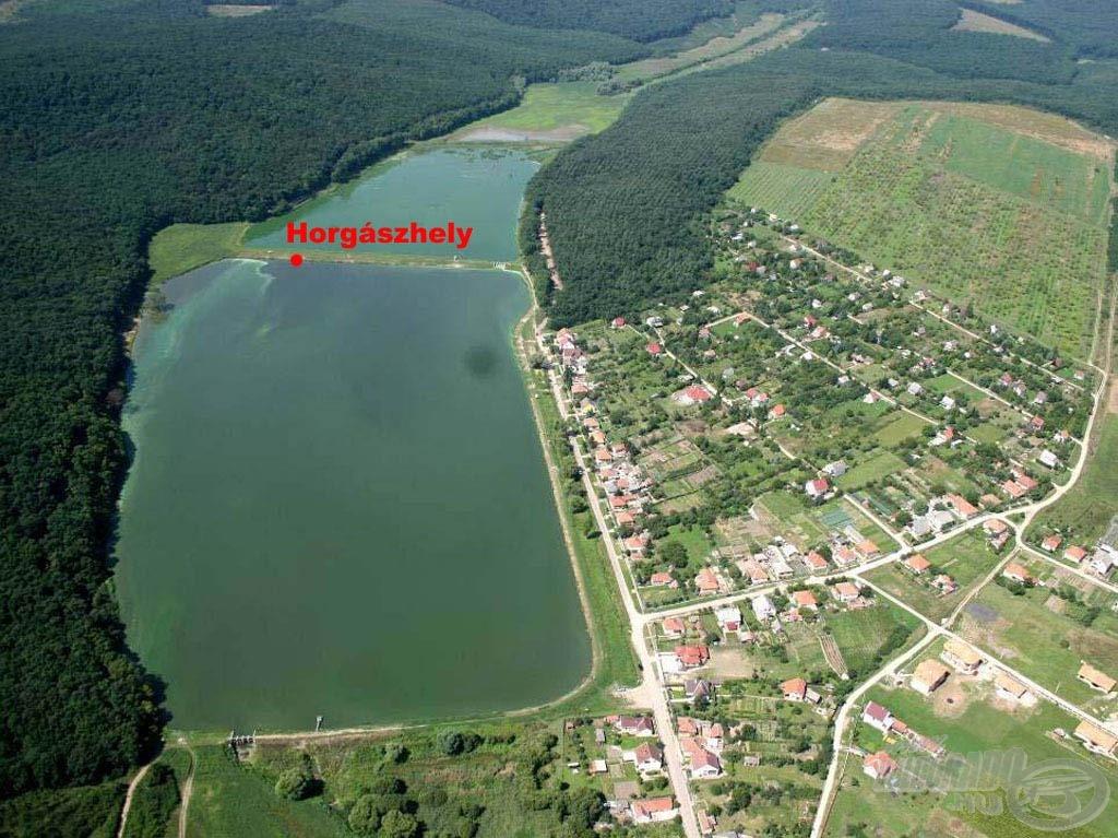 A horgászhelyem a tó sekély vízi szakaszán…