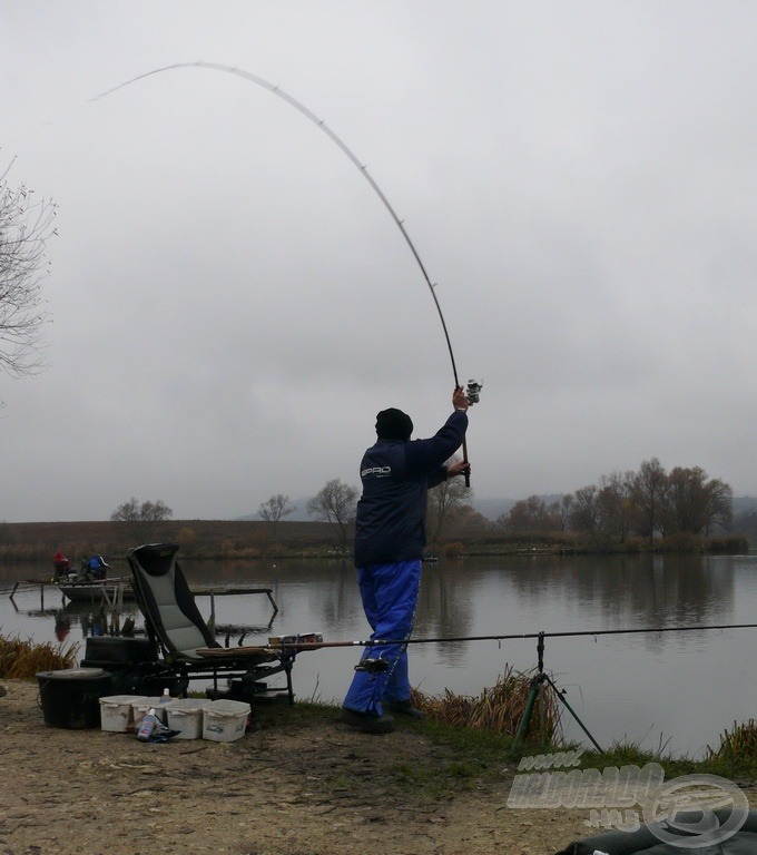 Kezdődik a horgászat