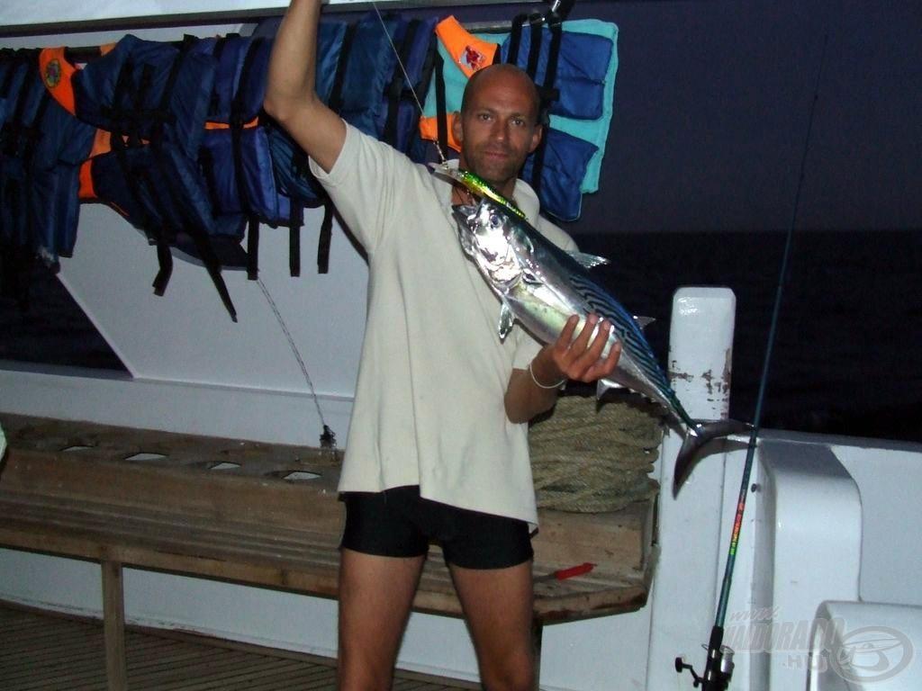 Trollingozva fogott tonhal