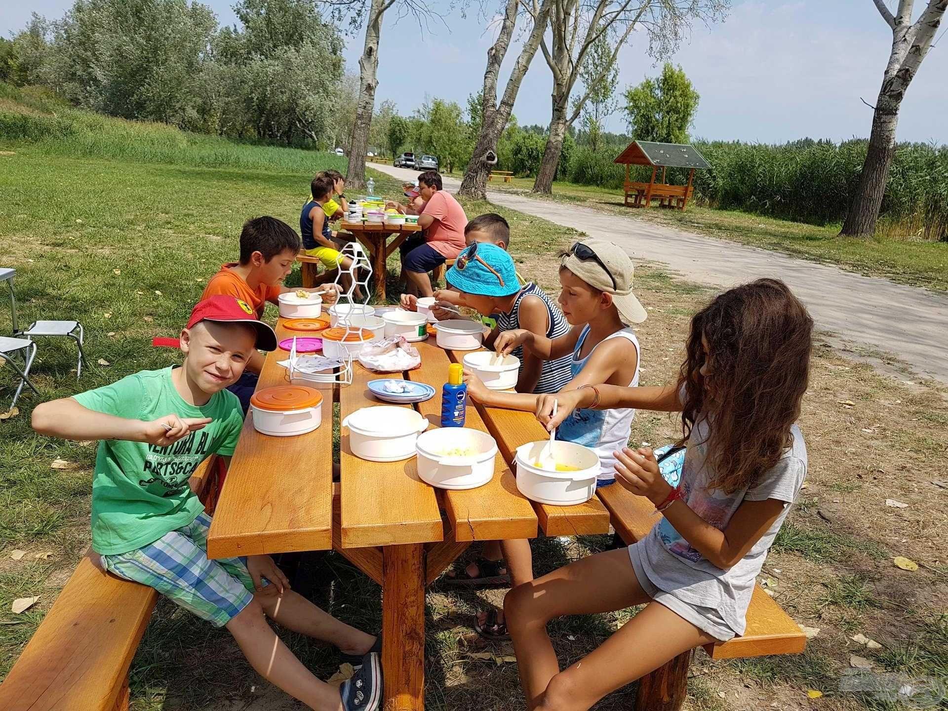 A gyermekek megfelelő élelmezéséről ezúttal is gondoskodtunk