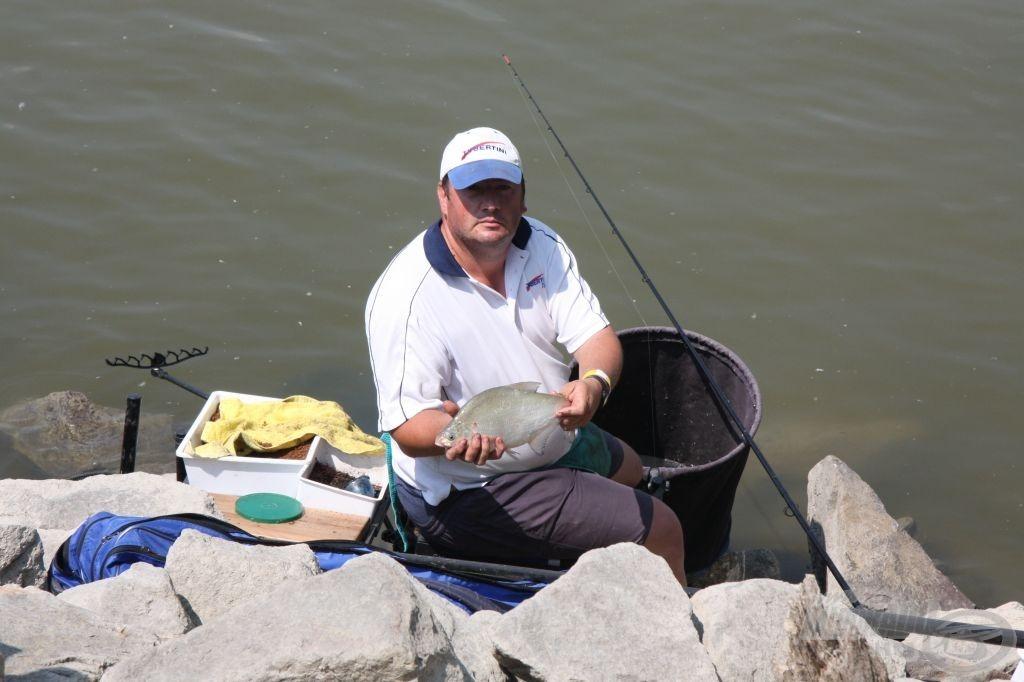 Bár sikerült jó pár szép halat fogni Szarka Imrének, de nem igazán vált be az A szektor szélső helye