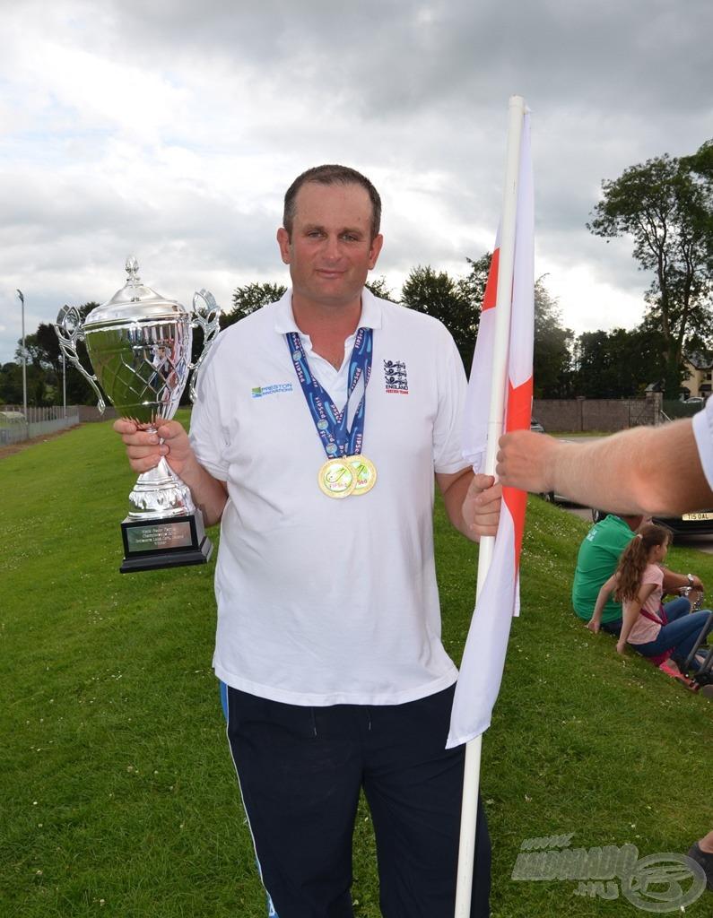 Steve Ringer 2 ponttal szerezte meg az egyéni világbajnoki címet