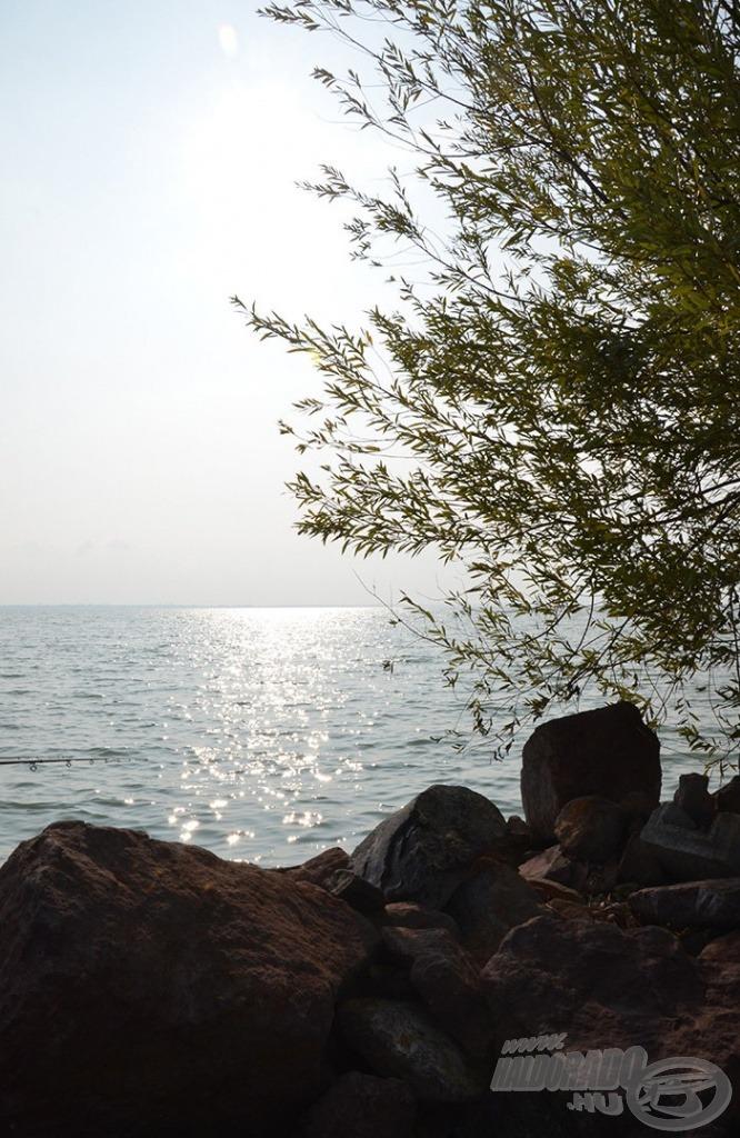 A Balaton nagysága és szépsége, a végeláthatatlan víztömeg mindig magával ragad
