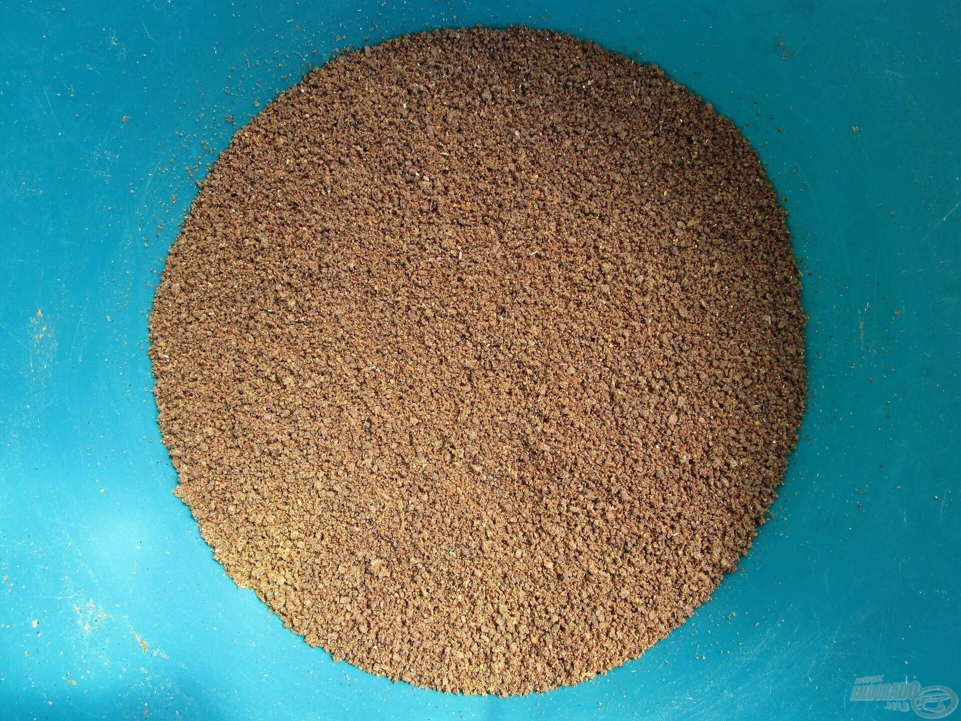 Rostálás után egy homogén, jól kezelhető etetőanyagot kapunk