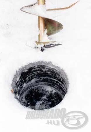 Próbafúrásokat a jégre menetel előtt mindenképen végezzünk el