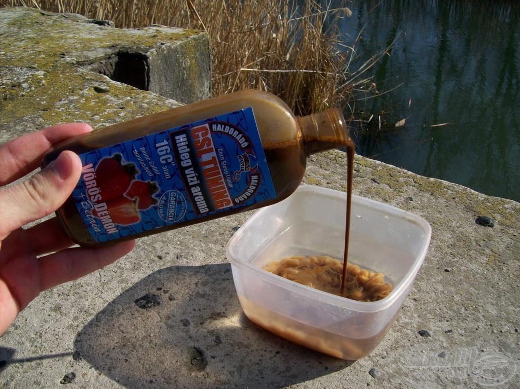 A CSL Tuning Vörös Démon aromát a bekeveréshez szükséges vízben oldottam fel