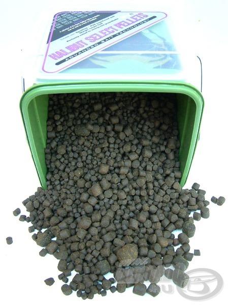 A Halibut Select Pellet 5 különböző méretű halibut pellet keveréke