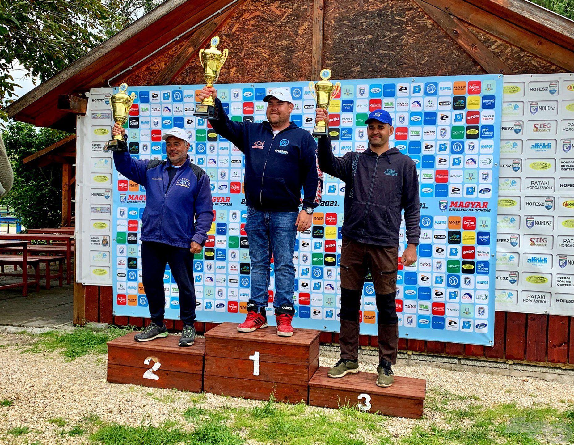 A Method Országos Bajnokság Palotavárosi-tavon rendezett középdöntőjének dobogósai: Petrovics Richárd (3 pont), Csővári Tibor (5 pont), Sipos Gábor (6 pont)