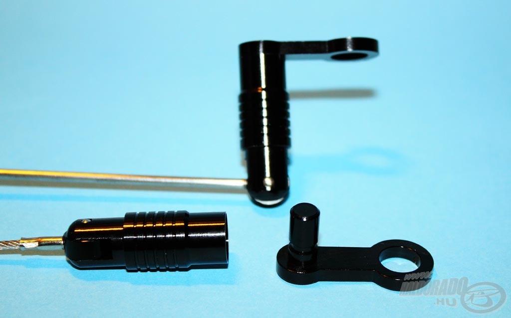 Mindkét kivitelhez egy fém adaptert ad a gyártó, ezt kell a kapásjelző menetére felhelyezni és a bottartóra rögzíteni, erre kerül fel gyorscsatlakozóval a swinger vagy a hanger