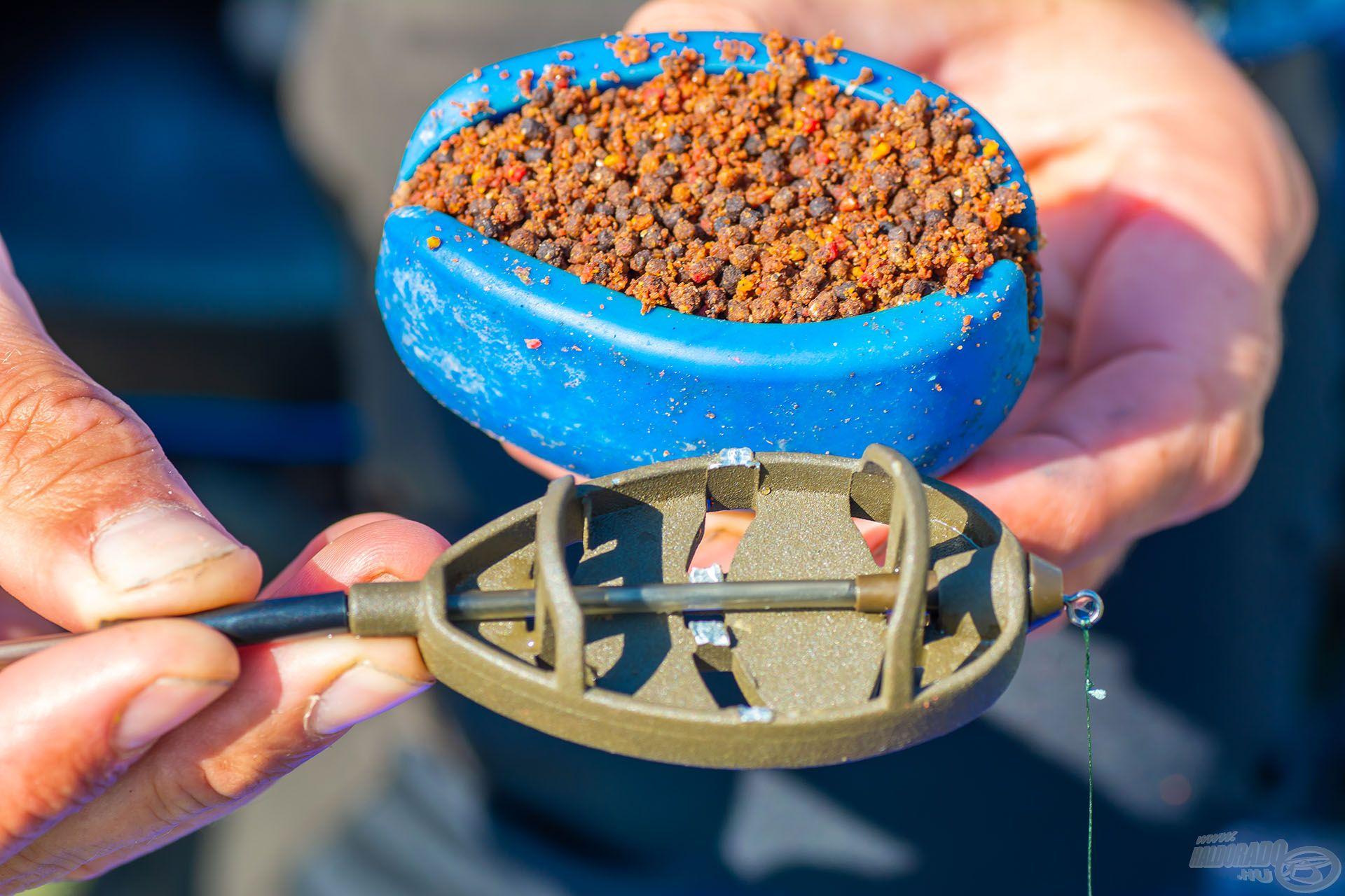 A töltőszerszámba a Májas - chilis proteinbomba kerül elsőként