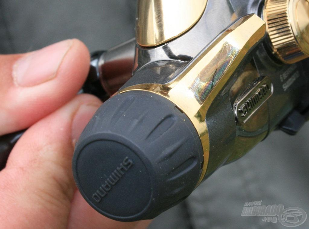 A hátsó fék gombja vizes kézzel is stabilan forgatható